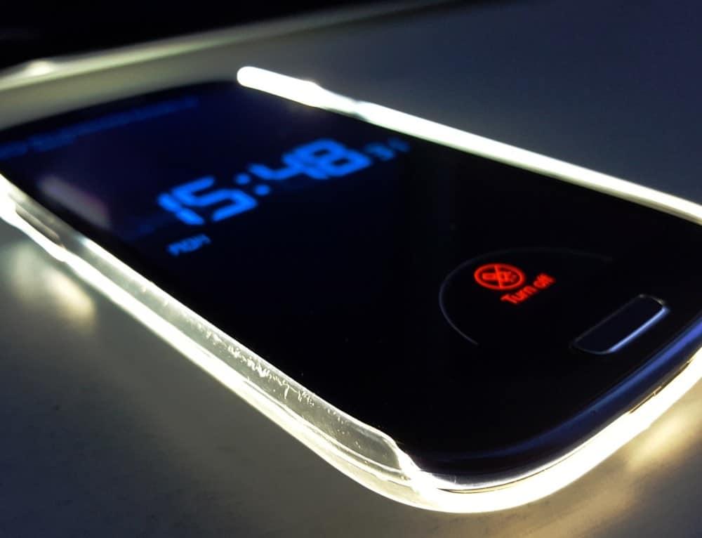 La luminiscencia de los teléfonos causa insomnio